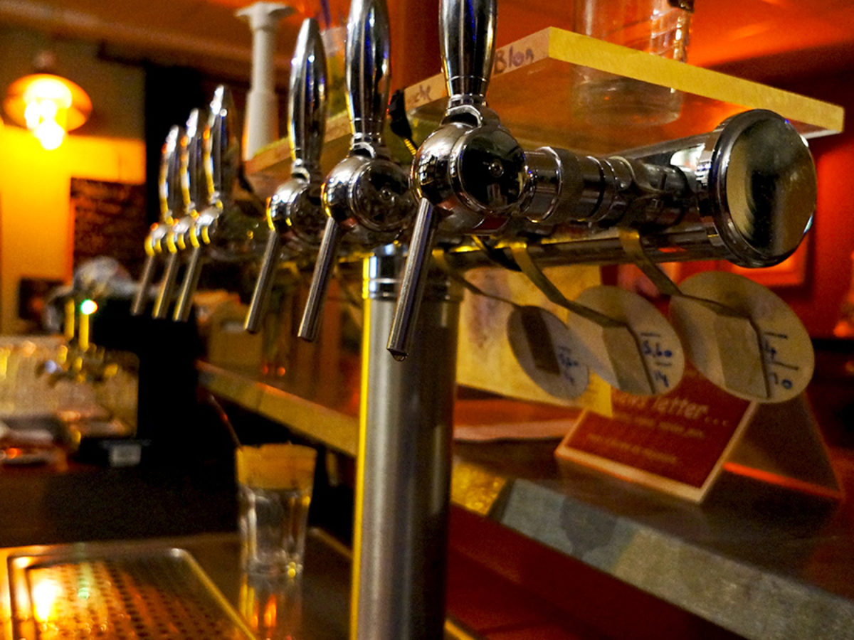 Bar-Bieres-locales-Toï Toï Le Zinc