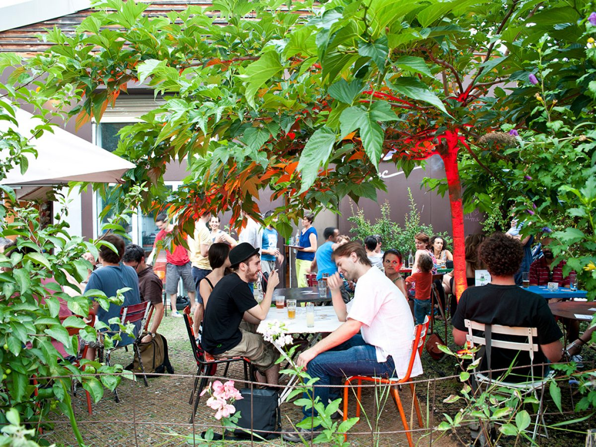 Bar-terrasse-Toï Toï Le Zinc